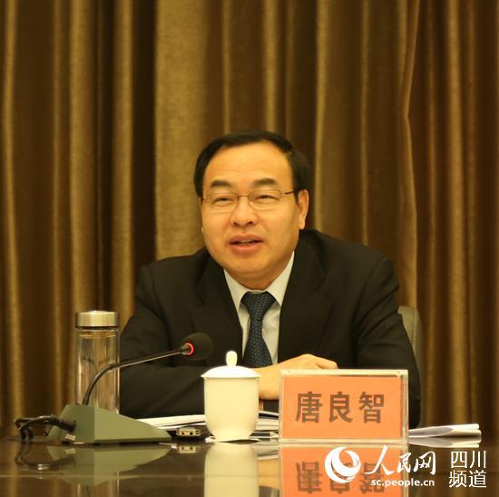 邛崃基层代表提建议 成都代市长现场拍板解决困难