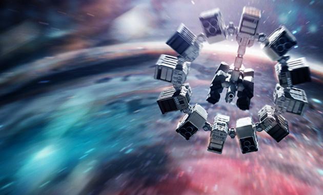 《星际穿越》海报