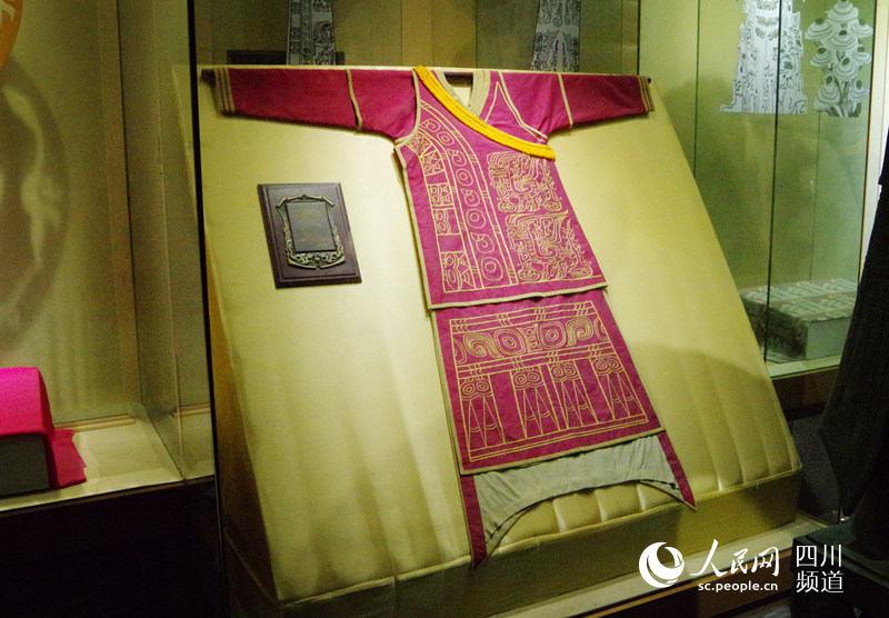 走进成都蜀锦织锈博物馆 感受非遗传统织造技艺图片