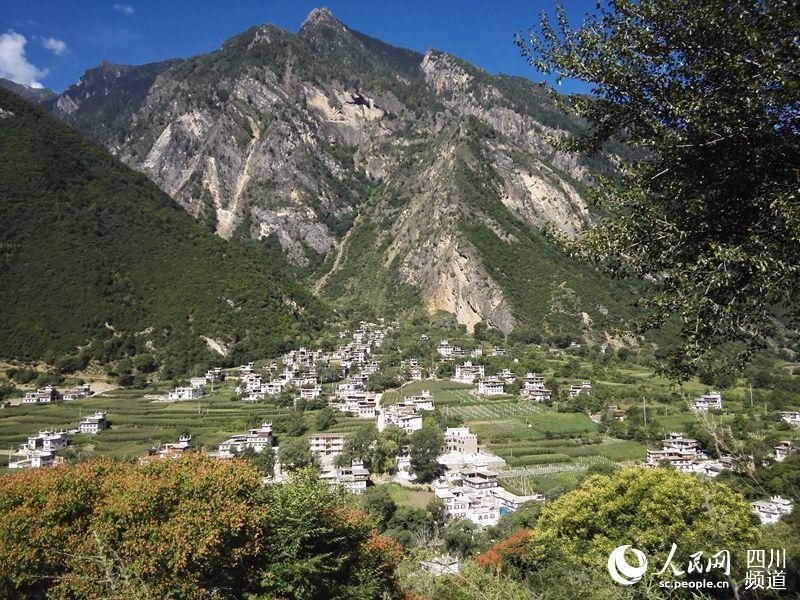 """丹巴县大桑村:""""特别保留原有风貌""""的美丽新村"""