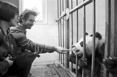 印度国宝级影星阿米尔·汗来蓉感受中国文化