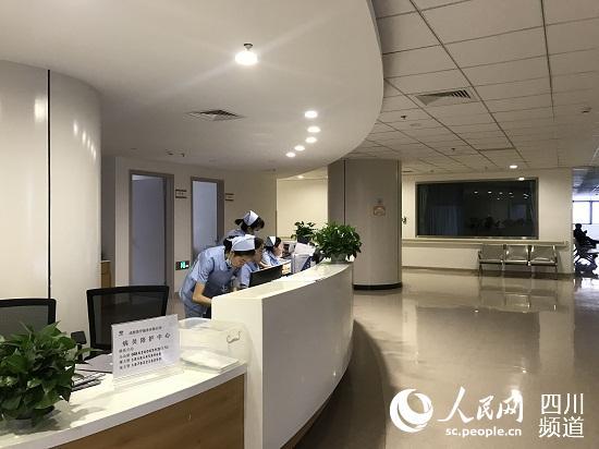 四川省人民医院金牛医院住院部一角.  摄-金牛区完善 医联体 建设 老