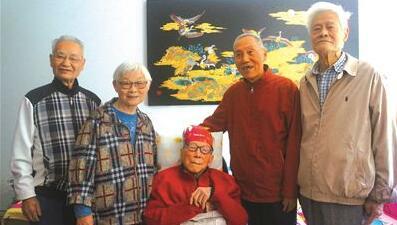 108岁老师过生日,耄耋学生来祝寿