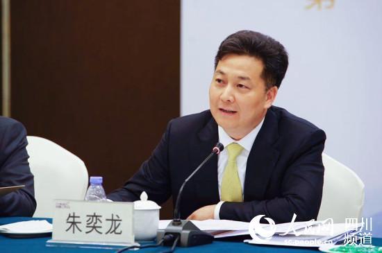 全国政协委员、中国侨联副主席朱奕龙:切实为