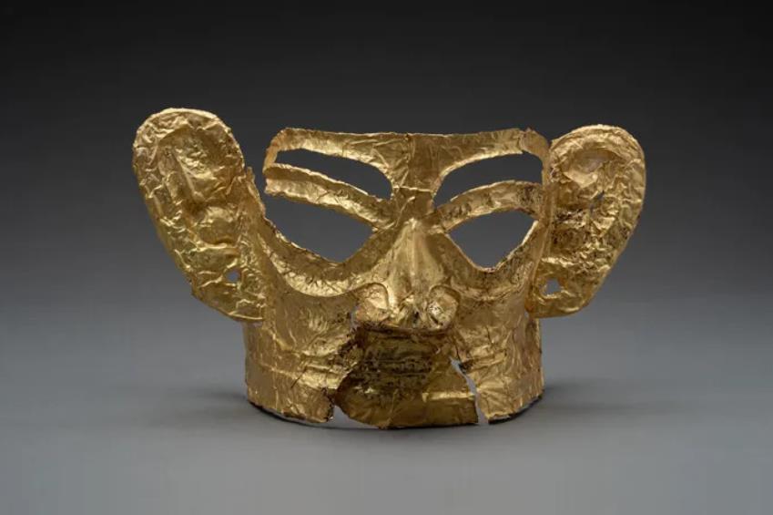 K3出土金面具。四川省文物考古研究院供图